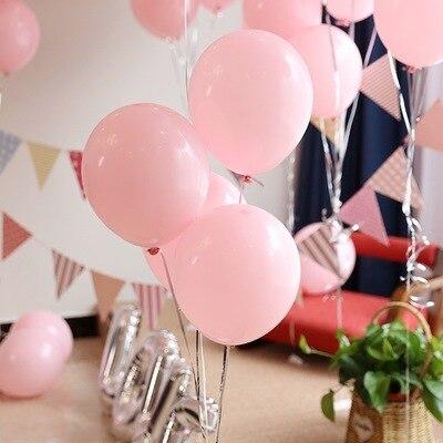 розовые шары матовые в интерьере