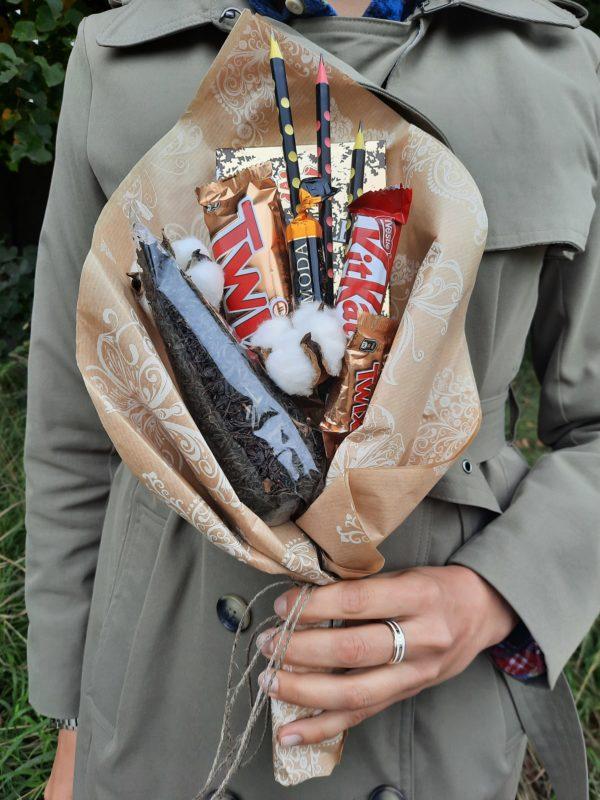 фото букета из конфет к 1 сентября Спб