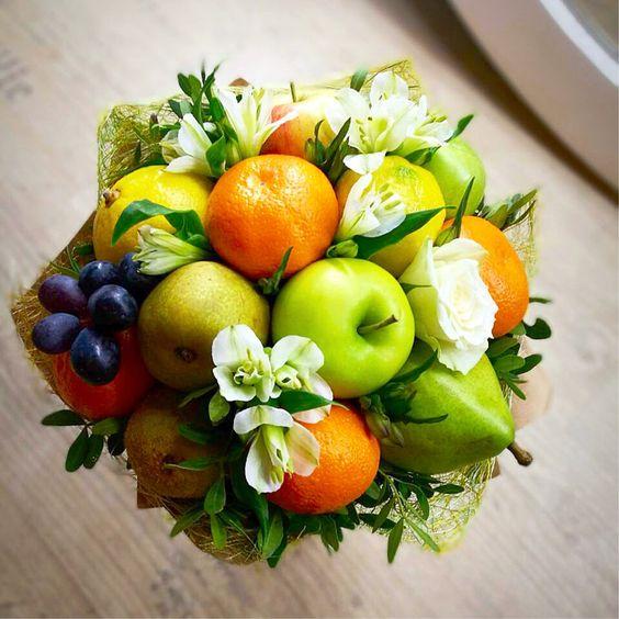букет учителю из фруктов.jpg