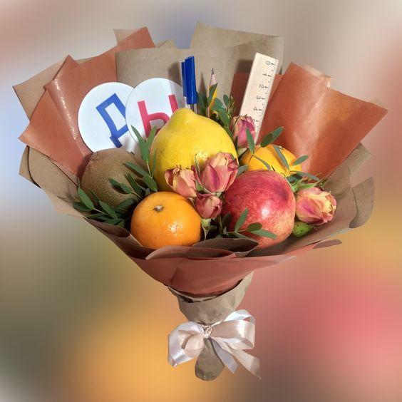 букет учителю из фруктов